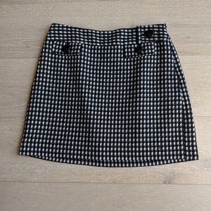 Ann Taylor mini skirt black and white